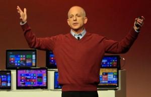 Jefe de Windows abandona Microsoft a dos semanas del lanzamiento de Win8